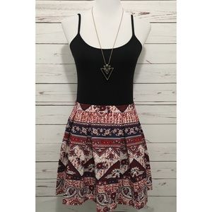 (NBW) FOREVER 21 Pleated Paisley Skirt